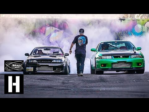 Skyline R33 VS Skyline R32 - Space Race